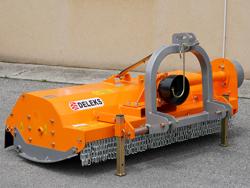 mittelschwerer mulcher mit seitenverstellung für alle mittleren traktoren mit reifen oder gleisketten mod tigre 200