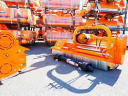 schlegelmäher mit hyadraulisch seitenverstellbar für mittelschwere traktoren leopard 160 sph
