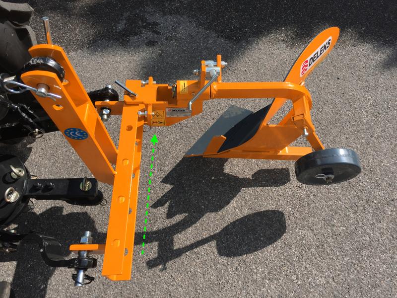 einscharpflug-für-kleintraktoren-wie-z-b-iseki-kubota-mod-dp-18