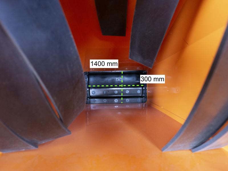 häcksler-auf-raupenfahrwerk-mod-dk-800-green