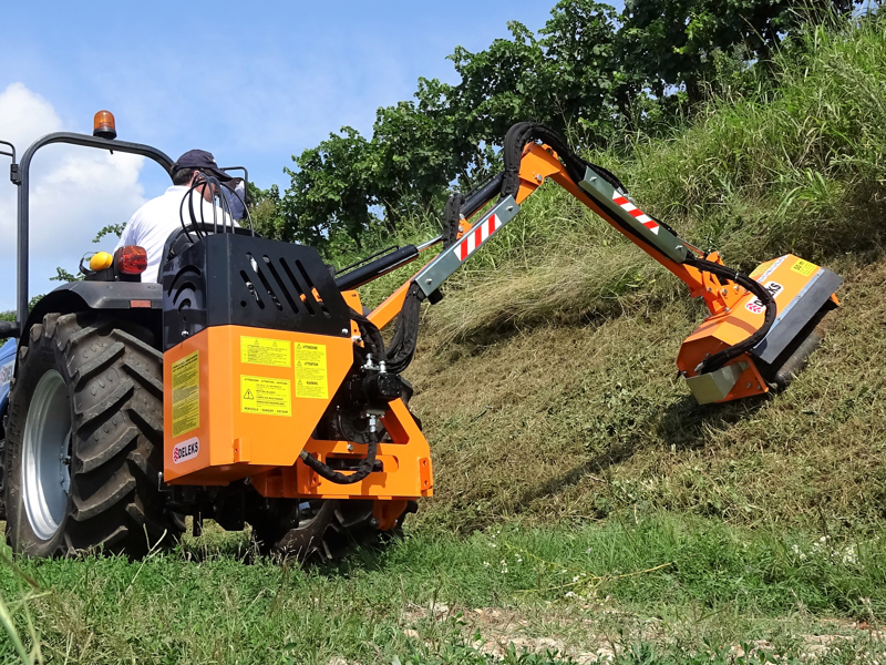 hydraulischer-böschungsmulcher-mit-auslegearm-für-traktor-mod-airone-100