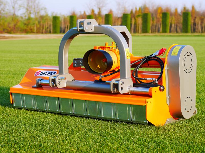 schlegelmulcher-mit-hammerschlegel-hydraulisch-verstellbar-schwere-ausführung-mod-pantera-210