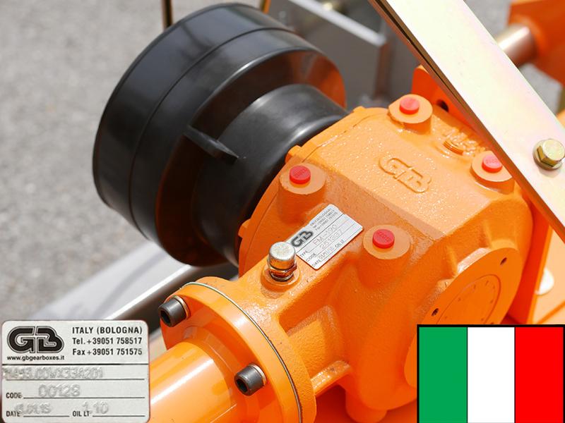 mittelschwerer-mulcher-mit-seitenverstellung-für-alle-mittleren-traktoren-mit-reifen-oder-gleisketten-mod-tigre-180