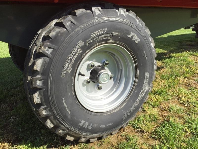 dreiseiten-kippanhänger-für-traktoren-mod-rm-14-t3