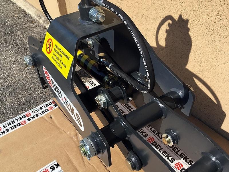 holzzange-holzgreifer-mit-rotator-für-kräne-und-mini-bagger-von-1-5-bis-2-5t-mod-dk-10-gr-10