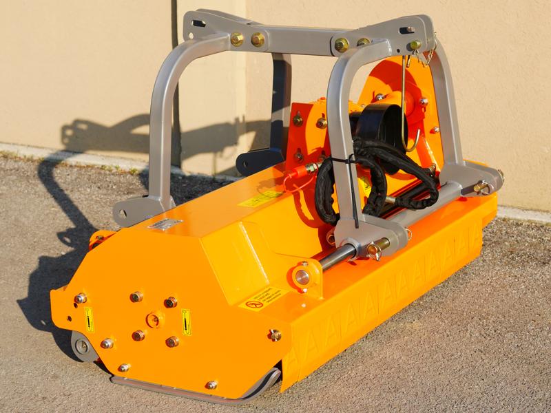 mittelschwerer-mulcher-mit-hydraulische-seitenverstellung-für-alle-mittleren-traktoren-mit-reifen-oder-gleisketten-mod-rino-160