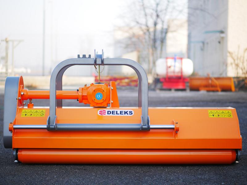 mittelschwerer-mulcher-mit-hydraulische-seitenverstellung-für-alle-mittleren-traktoren-mit-reifen-oder-gleisketten-mod-rino-180