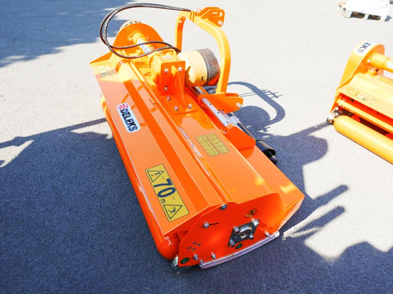 schlegelmäher-hyadraulisch-seitenverstellbar-für-mittelschwere-traktoren-leopard-180-sph