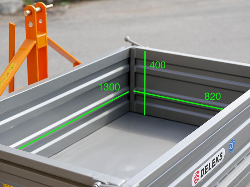 heckcontainer-für-traktoren-mod-t-1400