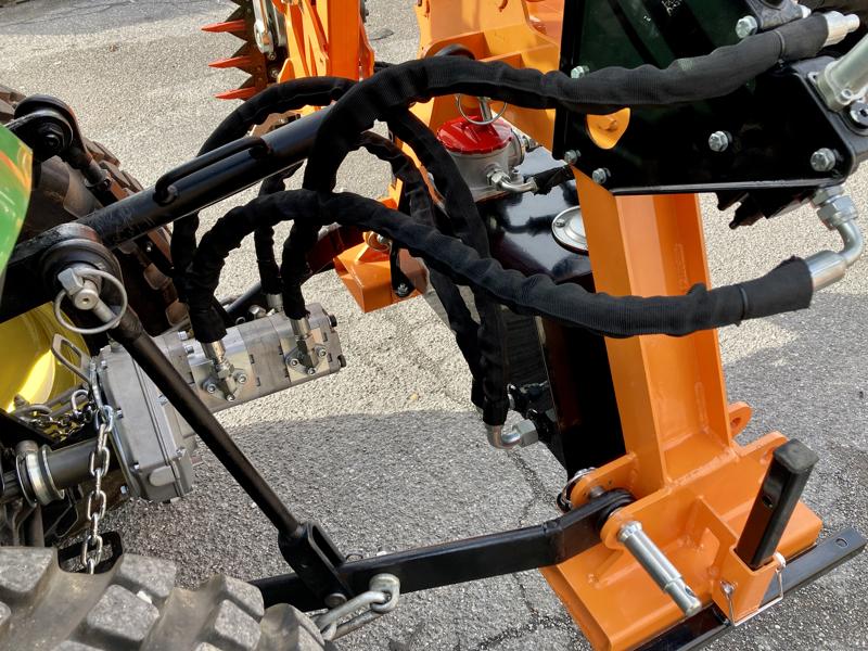 hydraulischer-arm-mit-130-hcm-mähbalken-mod-falco-180-h